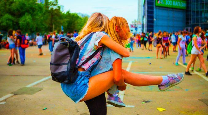 夏フェスにおすすめのバッグ3選!ショルダー型とウェスト型はどっちが人気?